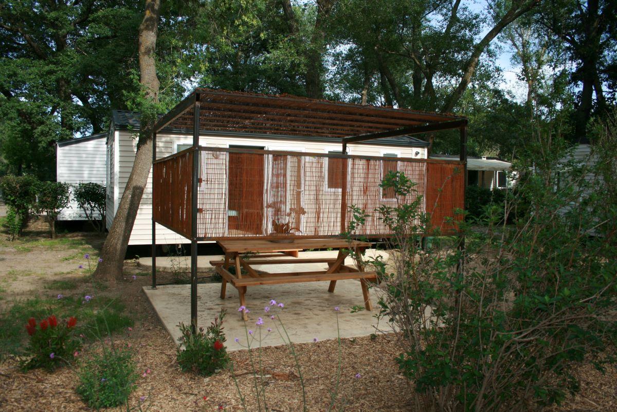 mobil-home-confort-pergola-campinglatourdefrane-8